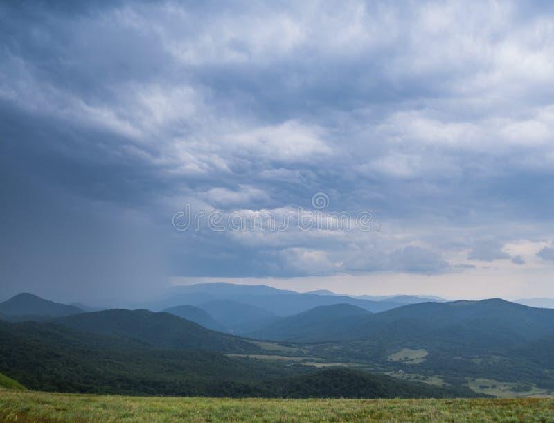 Parque nacional na tempestade, Polônia de Bieszczady, Europa foto de stock royalty free