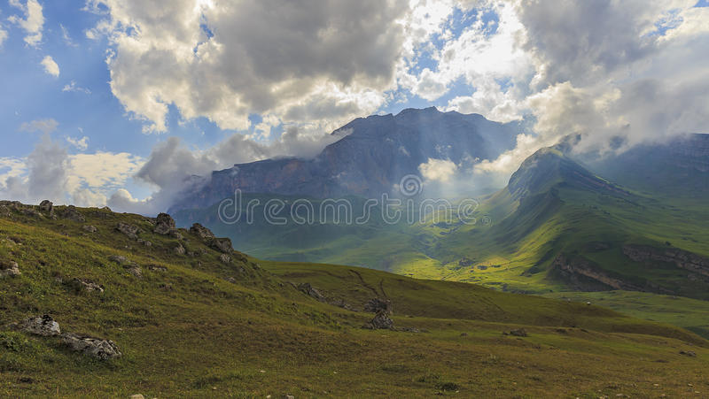 Parque nacional Shahdag (Azerbaijan) de las montañas foto de archivo libre de regalías