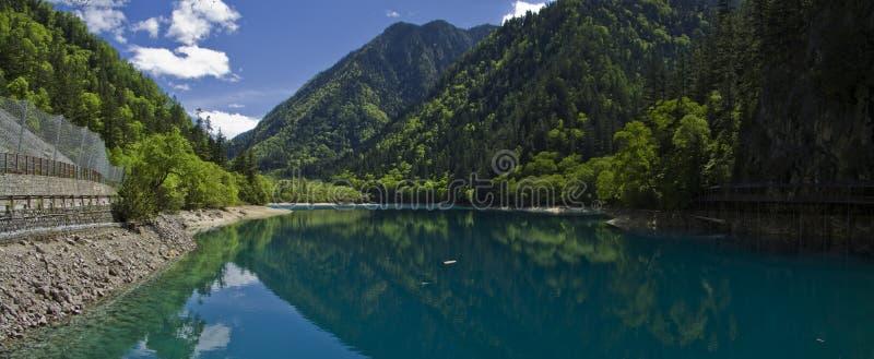 Parque nacional sichuan del jiuzhaigou del lago panda imagenes de archivo