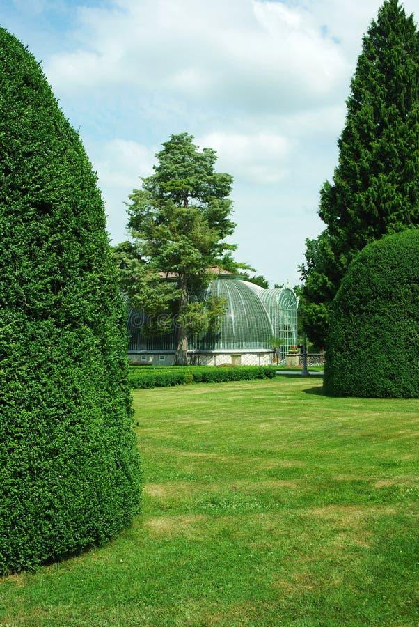 Parque no castelo Lednice.Hothouse fotografia de stock royalty free