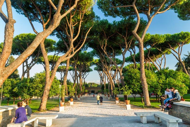 Parque no monte de Aventine em Roma, Itália foto de stock royalty free