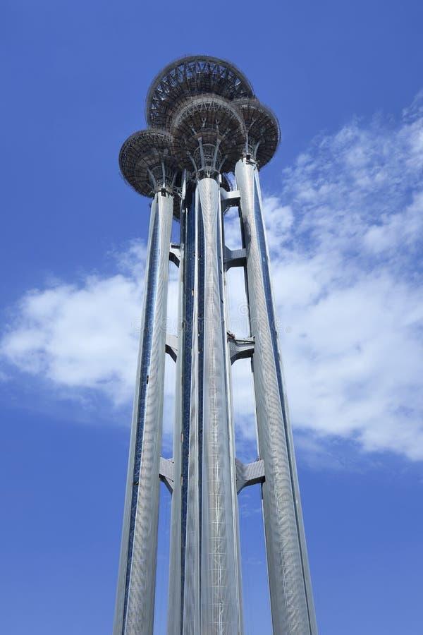 Parque olímpico de torre de observação sob a construção, Pequim, China foto de stock royalty free