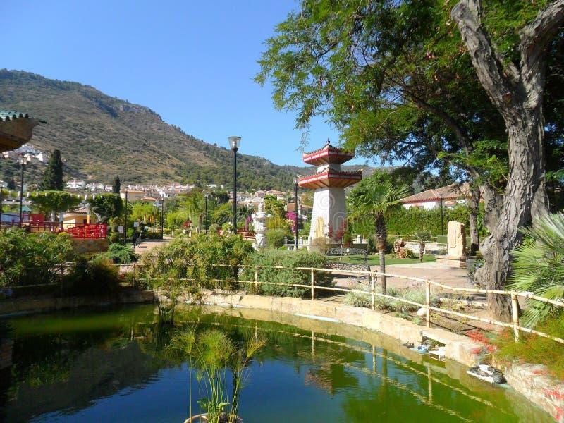 Parque oriental en el la Torre-Andalucía-España de Alhaurin de imágenes de archivo libres de regalías