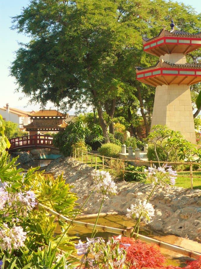 Parque oriental en el la Torre-Andalucía-España de Alhaurin de fotografía de archivo libre de regalías
