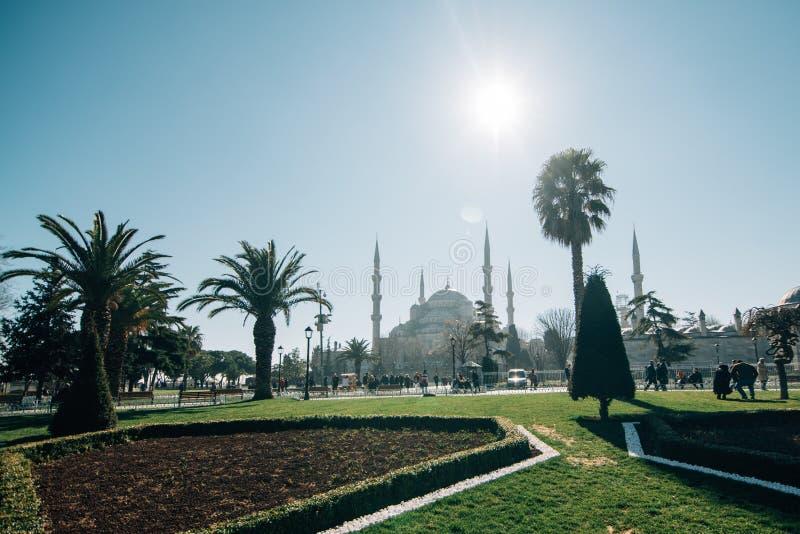Parque perto da mesquita azul Istambul fotografia de stock