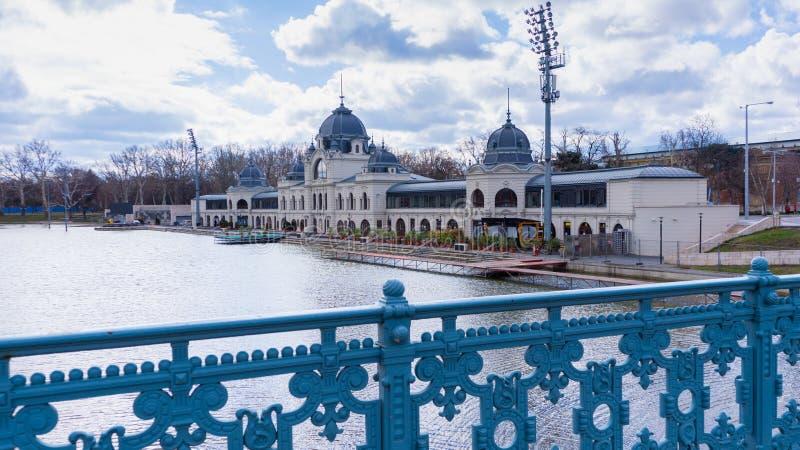 Parque principal de la ciudad en Budapest, Hungría imagenes de archivo