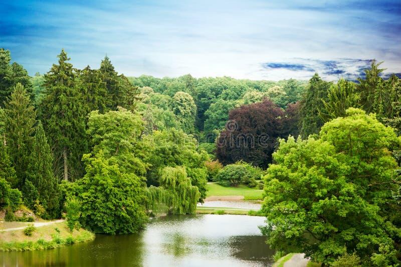 Parque Pruhonice em República Checa imagem de stock