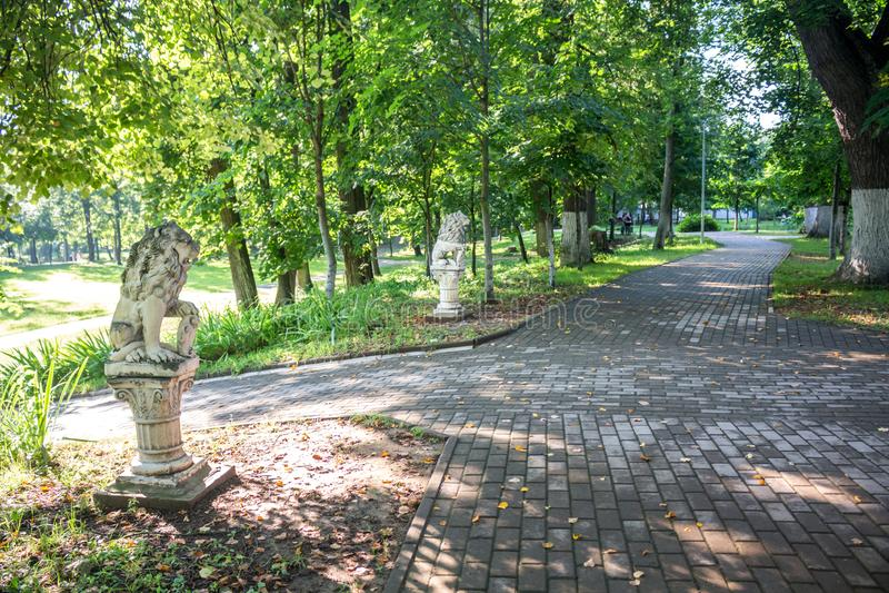 Parque-señorío viejo Belkino en día de verano foto de archivo libre de regalías