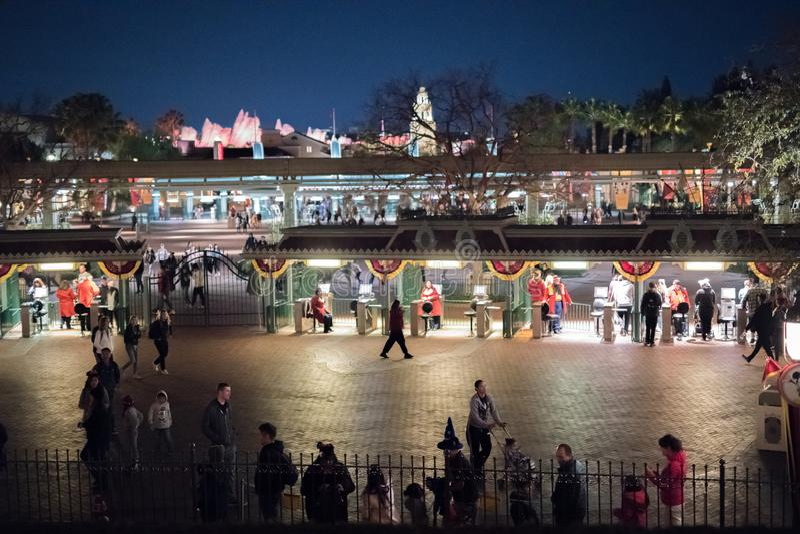 Parque temático de Disneyland Resort en Anaheim, California imagen de archivo libre de regalías