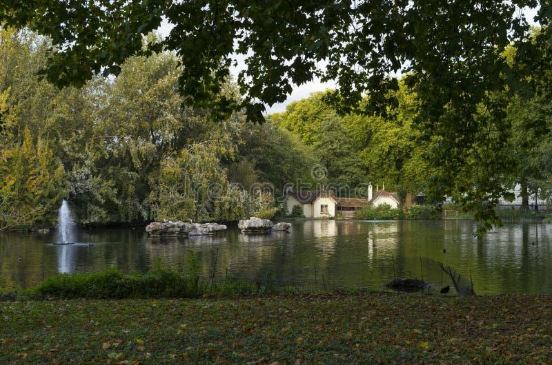 Parque verde Londres Gran Bretaña fotos de archivo libres de regalías