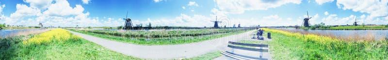 Parque y molinoes de viento, Holanda de Kinderdijk imagen de archivo libre de regalías