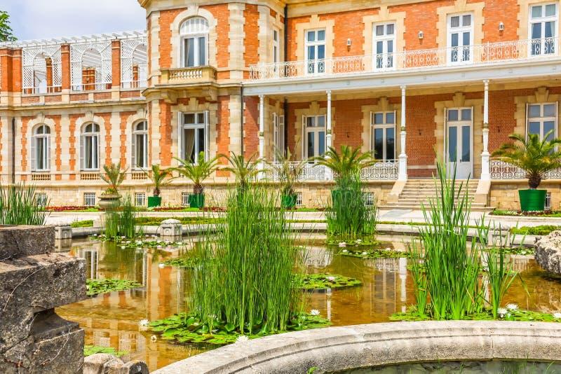 Parque y palacio Evxinograd o Evksinograd Varna, Bulgaria imagen de archivo libre de regalías