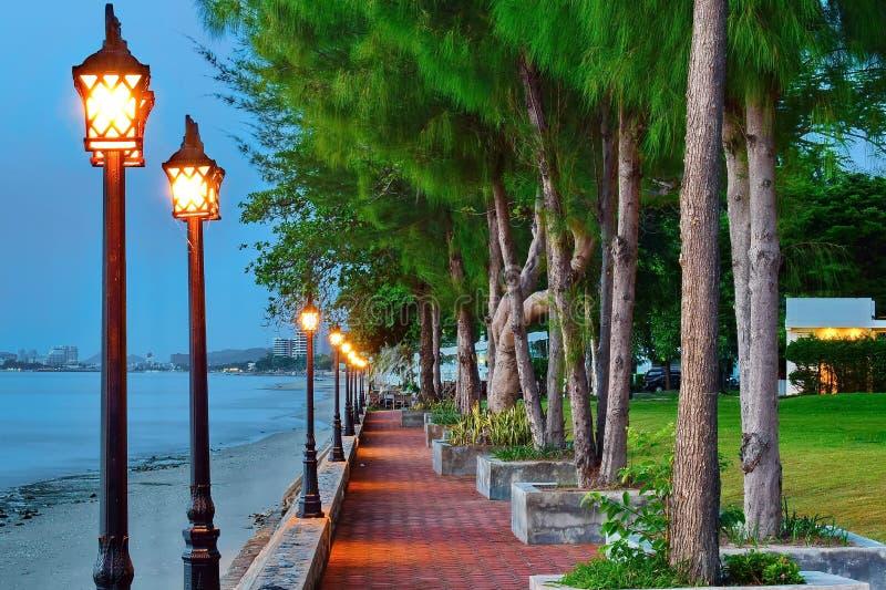Parquee en la playa temprano por la mañana en Tailandia foto de archivo libre de regalías