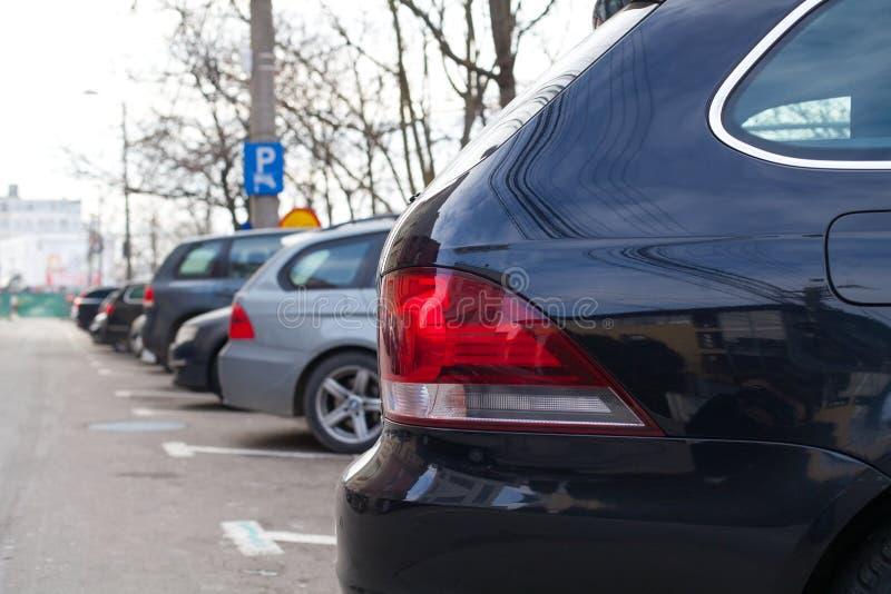 Parques de estacionamento no ` s de Cluj Napoca do centro fotografia de stock