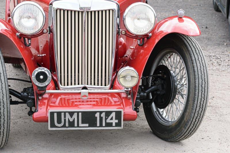 Parrilla del coche de motor clásico de MG en la reunión del coche imagen de archivo libre de regalías