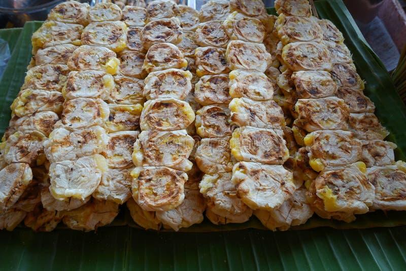 Parrilla del plátano, postre tailandés fotos de archivo