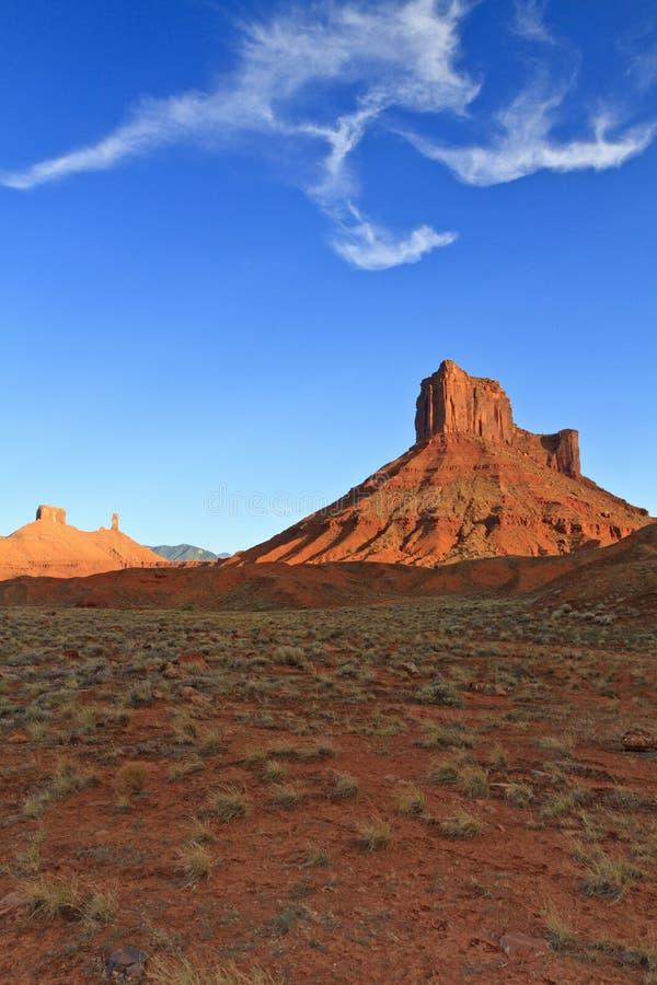Free Parriott Mesa, Desert Grass And Cloud Stock Photography - 27228032