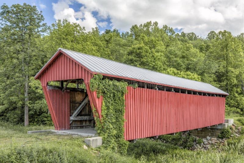 Parrish-überdachte Brücke - Nobel-Grafschaft, Ohio lizenzfreie stockfotos
