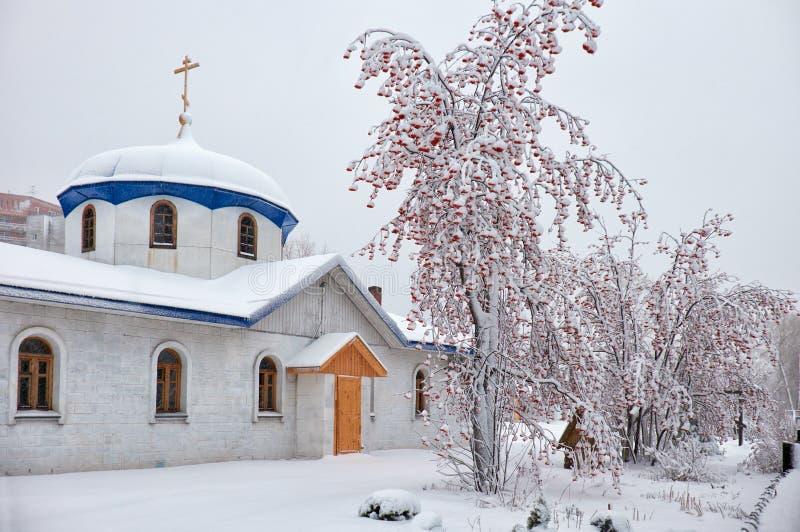 Parroquia del anuncio en Novosibirsk en la estación del invierno imagen de archivo libre de regalías