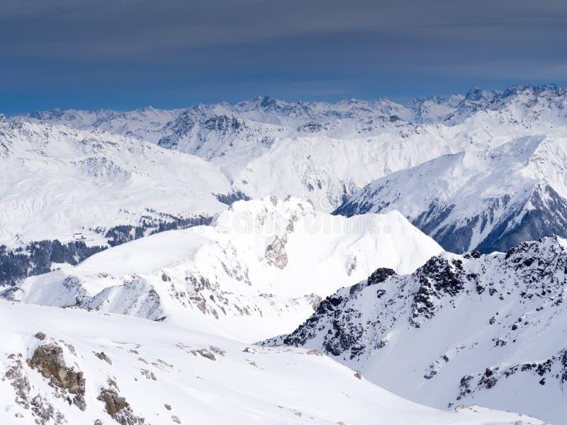 Parsenn berg runt om Davos arkivbilder
