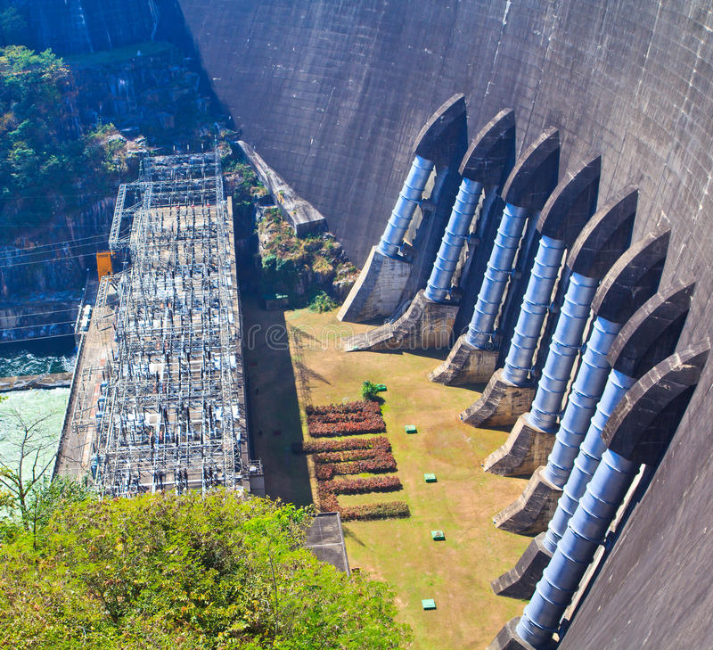 A Part Of Concrete Dam Royalty Free Stock Image