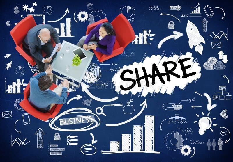 Part partageant le concept en ligne de mise en réseau de communication de connexion photos libres de droits