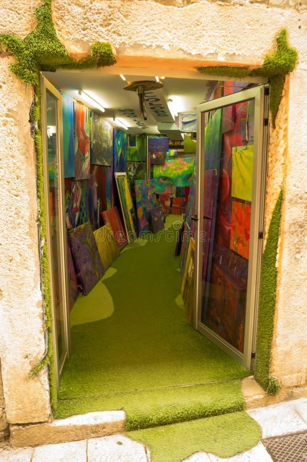 Parta Dalmacia Croacia 09/06/2018: Art Gallery de la ciudad de la fractura foto de archivo
