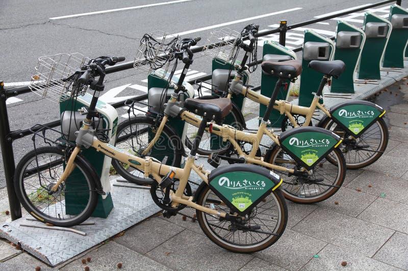 Partage de bicyclette d'Hiroshima photographie stock