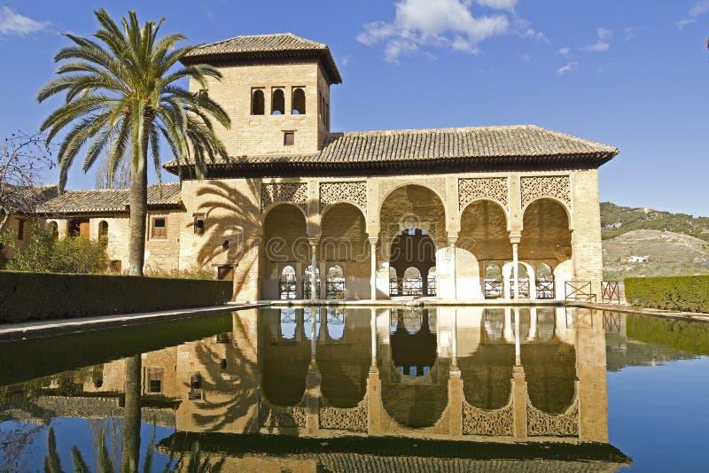 Partalstreek: Gang van de Prinsessen in Alhambra Granada, Spanje, royalty-vrije stock foto