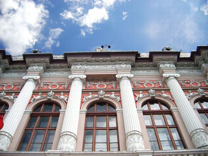 Parte anterior de um edifício foto de stock