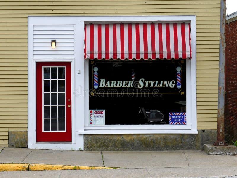 Parte anteriore del negozio di barbiere immagini stock