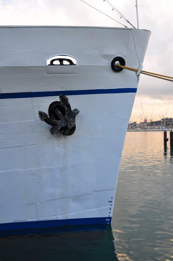 Download Parte anteriore della nave fotografia stock. Immagine di barca - 7323478