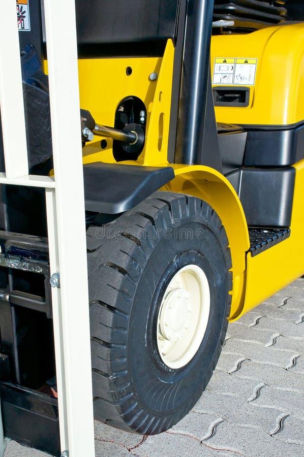 Parte anteriore di un carrello elevatore fotografie stock libere da diritti