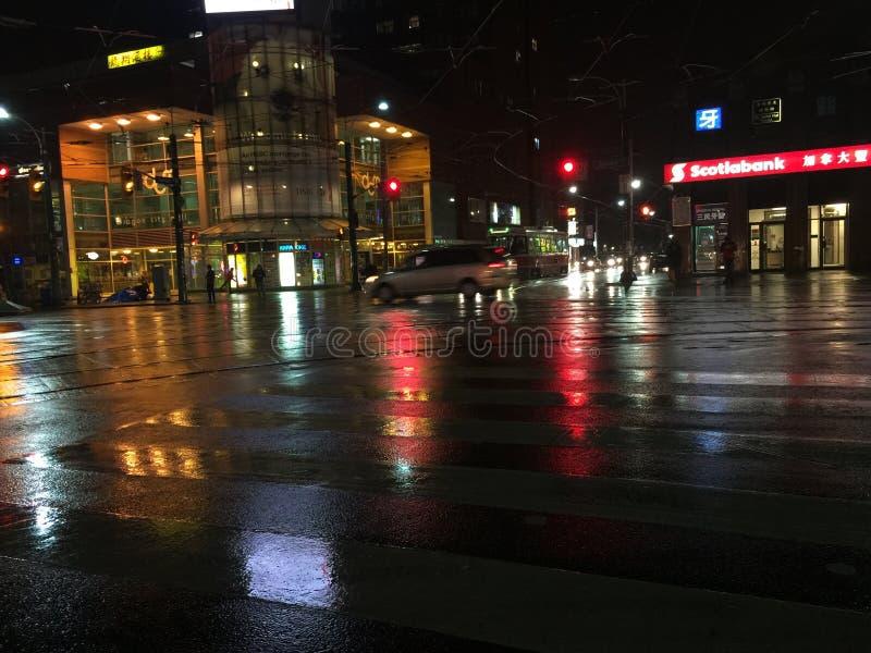 Parte 3 bagnata delle vie della città fotografia stock