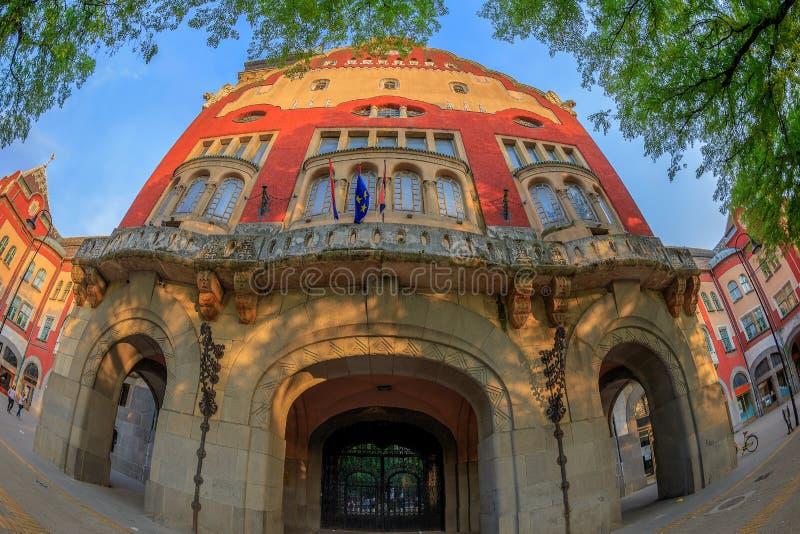 Parte da construção histórica da câmara municipal em Subotica, Sérvia foto de stock