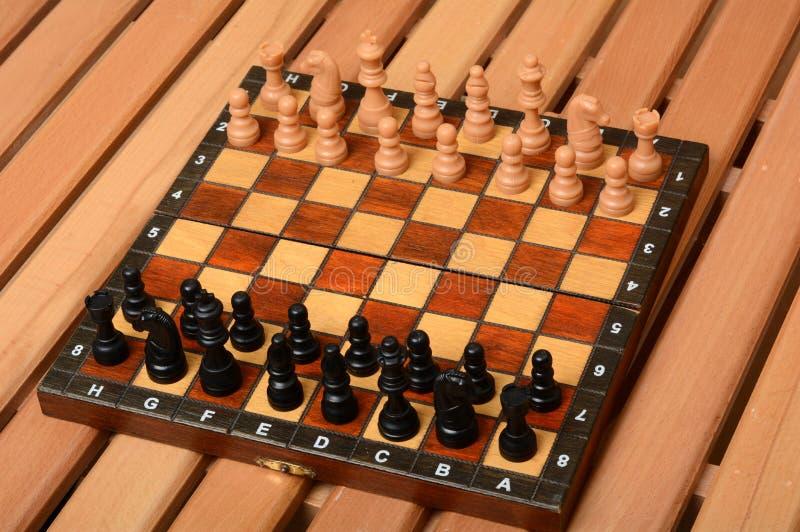 Parte de placa de xadrez pronta para começar o jogo imagem de stock royalty free
