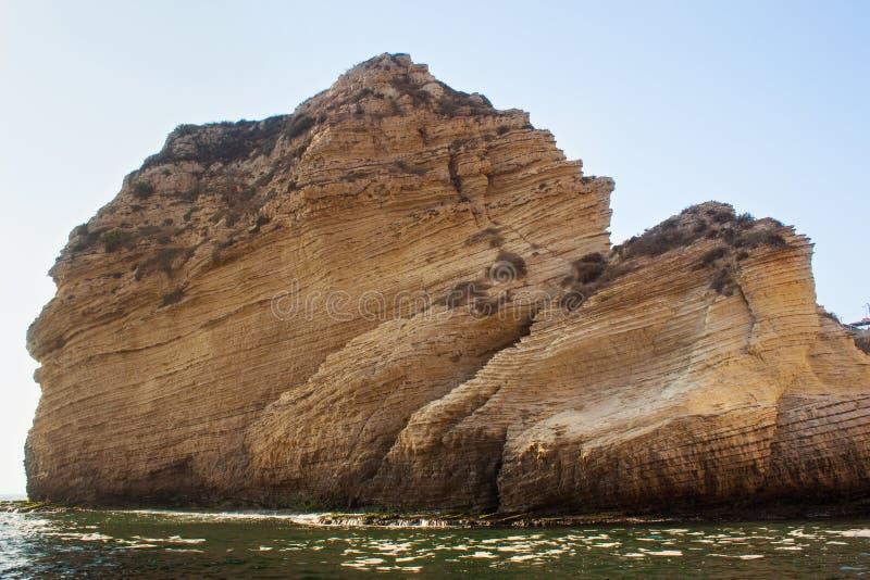 Parte de rocas famosas de la paloma en el distrito de Raouche, Beirut foto de archivo libre de regalías