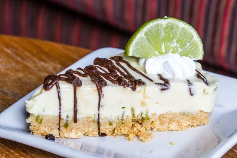Parte de torta do limão fotos de stock