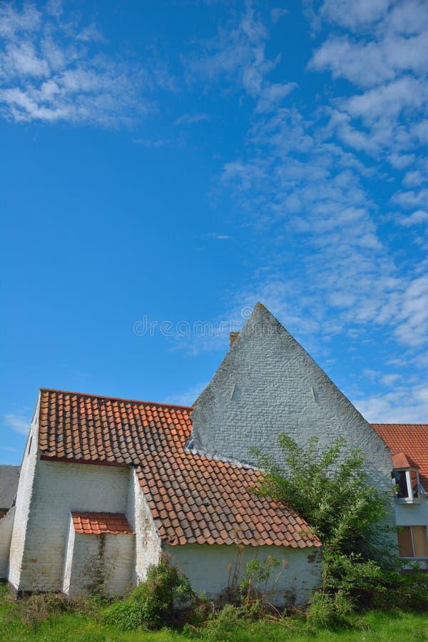Parte de uma casa mediaval, abby em Oudenburg, Bélgica imagem de stock royalty free