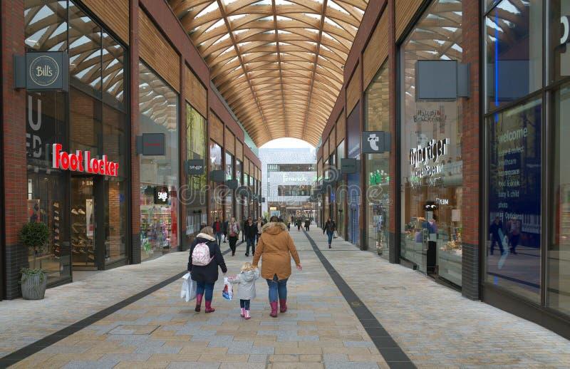 Parte del centro comercial del léxico en Bracknell, Inglaterra foto de archivo libre de regalías