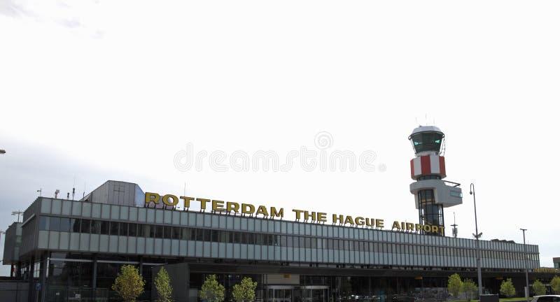 Parte delantera del aeropuerto de Rotterdam La Haya en Rotterdam imagen de archivo