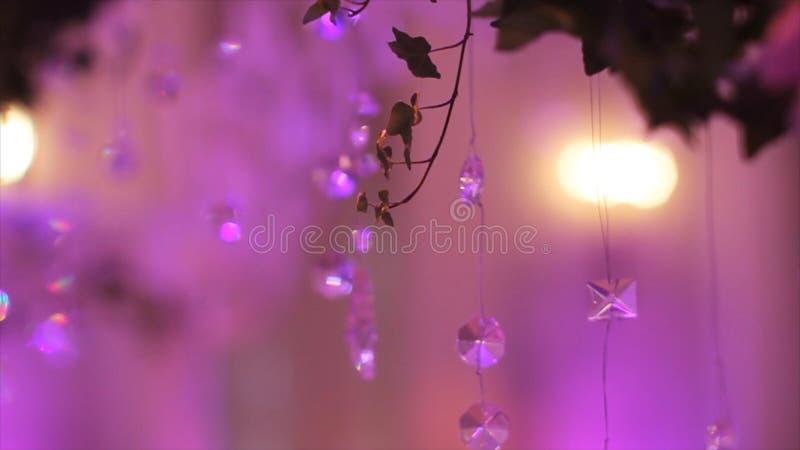 Parte della decorazione festiva, disposizione floreale Dettaglio di un arco di nozze Candeliere di cerimonia della decorazione di immagini stock libere da diritti