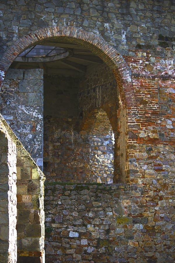 Parte della torre antica della fortezza fotografie stock