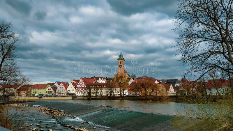 Parte dianteira bonita do rio de Nurtingen, Alemanha imagem de stock royalty free