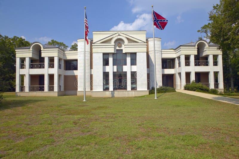Parte dianteira de Jefferson Davis Presidential Library em Biloxi, MS imagem de stock royalty free