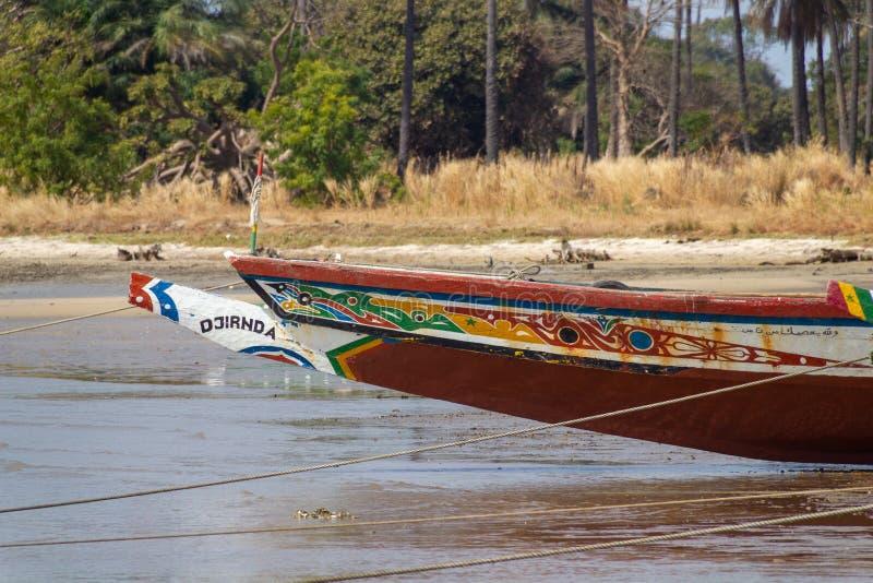 Parte dianteira de um barco em Gâmbia fotografia de stock royalty free