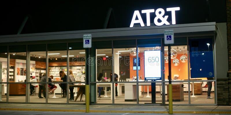 Parte dianteira sem fio da loja de AT&T fotografia de stock