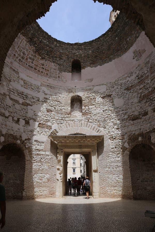 Parte do palácio de Diocletian, separação, Croácia fotos de stock royalty free