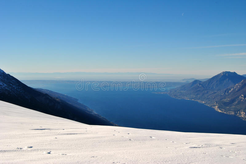 A parte inferior do lago Garda imagens de stock royalty free