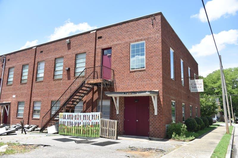 Parte posterior del café de la comunidad del pueblo de Caritas del edificio, Memphis, TN fotografía de archivo libre de regalías